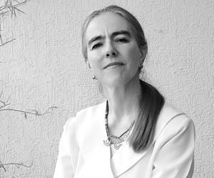 Dra. Marcela Guerra Flores Bach Médico